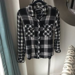 Black & White Flannel shirt by Rails size Small